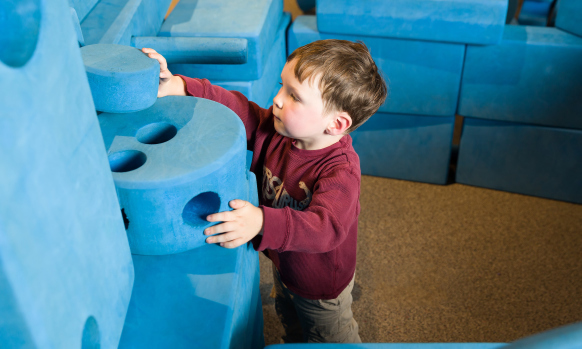 Create structures and inventions from the depths of your imagination!