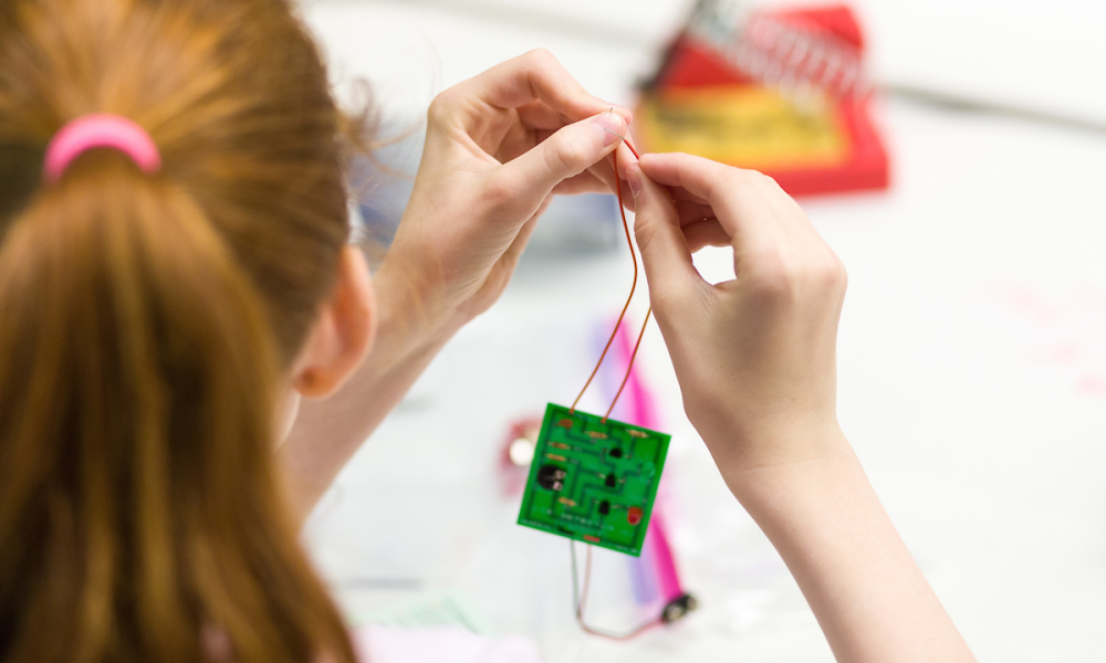 Spectacular Science February Break Camp: Magnets and Electricity